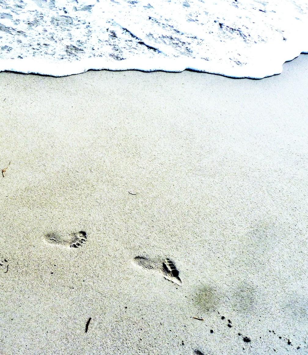 Footprints on the beach (2)